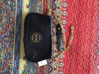 Women authentic Tory Burch messenger/ Clutch black leather crossbody bag gold hardware! New with tag & original dust bag! for Sale in Tigard,  OR