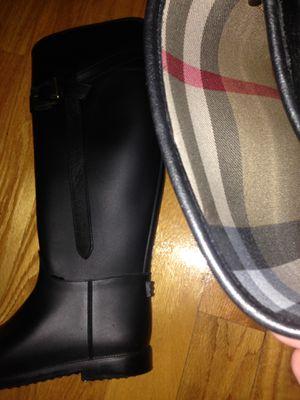 Boot rain Burberry brand size 9 for Sale in Fairfax, VA