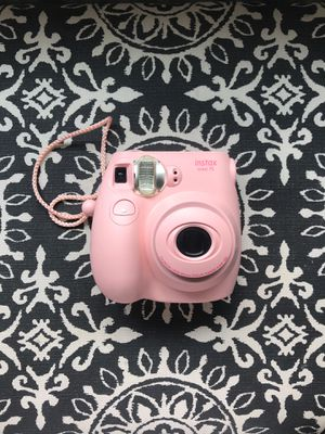 FujiFilm instax mini 7S pink Polaroid camera for Sale in Queen Creek, AZ