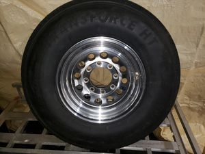 Brand new 8 log trailer tire Lt235/85/R16 $125 only have one for Sale in Middlesex, NJ