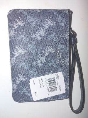 Couch wristlet New still has tag inside for Sale in Phoenix, AZ