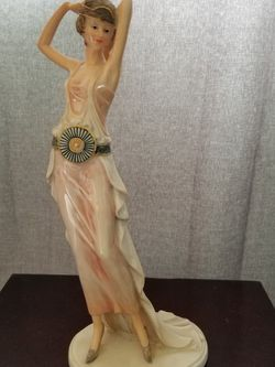 Vintage Lady Statue for Sale in Riverside,  CA