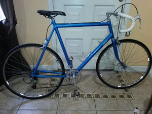 Cannondale Road bike aluminio 18 velocidades for Sale in Imperial Beach, CA