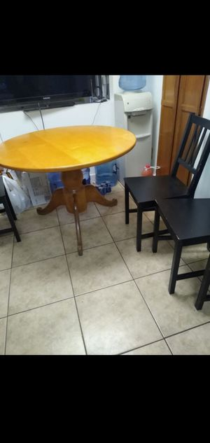 Table and chairs FREE for Sale in San Lorenzo, CA