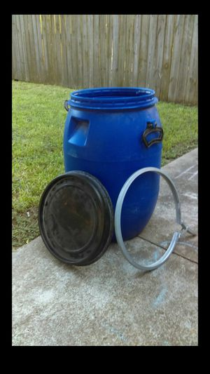 Plastic 16 gallon bins for Sale in Manvel, TX