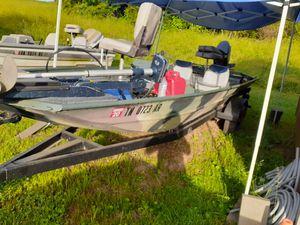 Fishing boat for Sale in Nashville, TN