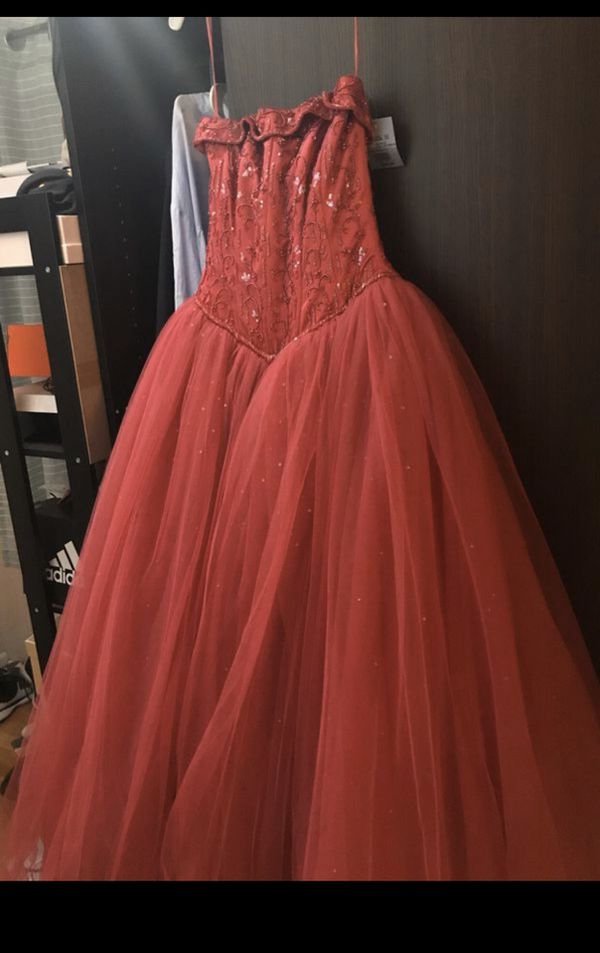 Prom or special occasion dress still has tag on !