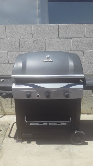 Char-Broil PERFORMANCE series propain for Sale in Phoenix, AZ