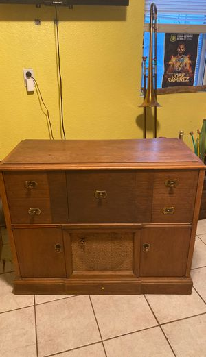 Vintage 1960's RCA VICTROLA record player and radio for Sale in Fresno, CA