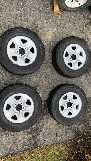 New 2019 Toyota Tundra stock rims and wheels for Sale in Gahanna, OH