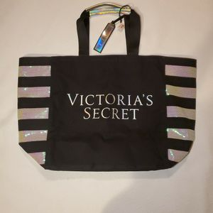 Brand New Victoria Secret Bag for Sale in Newburgh Heights, OH