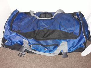 Huge duffle bag for Sale in Lutz, FL