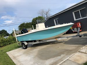 2002 18 feet bay boat sea pro open fisher center console for Sale in Miami, FL