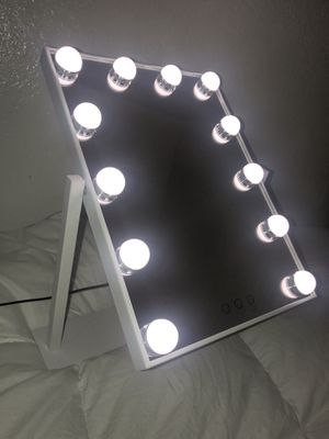Hollywood Vantage Makeup Vanity Mirror for Sale in Palmdale, CA