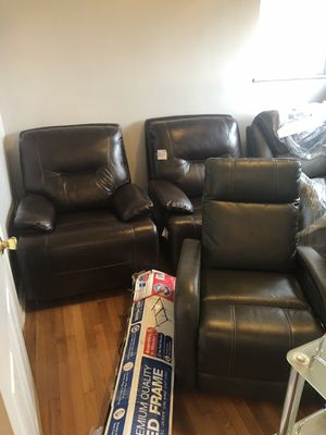 Recliner chair electric. New condition never used selling fast for Sale in Dearborn, MI