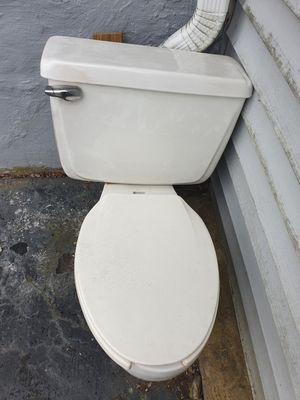 Free elongated toilet. for Sale in Southbury, CT