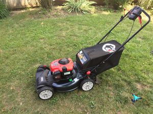 Lawn mower self propelled like new 4x4 for Sale in Columbus, OH