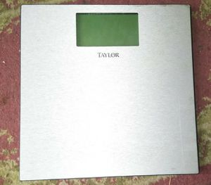 Taylor 400lb Bathroom Scale for Sale in Colton, CA