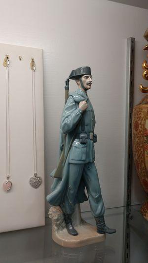Lladro Figurine Spanish Policeman Civil Guard Guardia Civil Soldier w/ Gun Excellent Condition Porcelain Statue for Sale in Chula Vista, CA