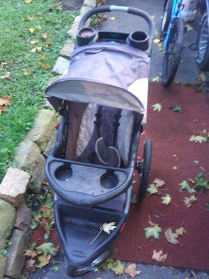Heavy Duty outdoor/indoor baby stroller for Sale in Saint Paul, MN