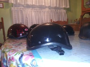 Non dot gladiator motorcycle helmet gloss black size medium for Sale in Phoenix, AZ