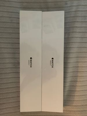 Apple Watch series 3, brand new, silver with white sport band for Sale in Miramar, FL