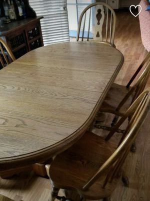 Heavy duty solid wood kitchen table with 4 chairs. $125 obo. Make an pick up for Sale in Harbor City, CA