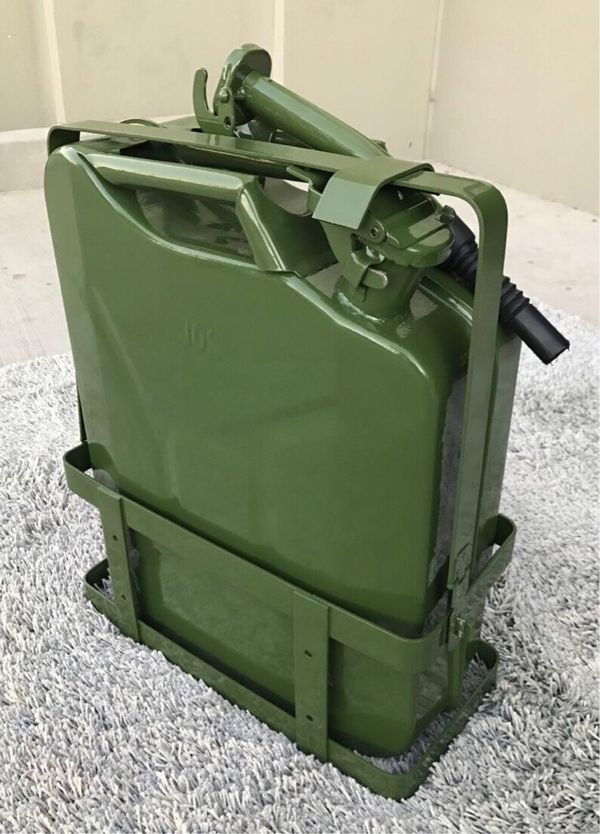 New in box 5 gallon 20 liter jerry can steel gas tank canister military green with holder included