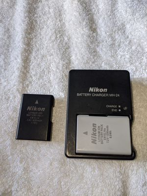 Nikon MH-24 charger with EN-EL14a battery for Sale in Blacklick, OH