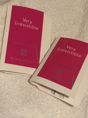 Givenchy very irresistible 2 spray testers for Sale in Elgin, TX