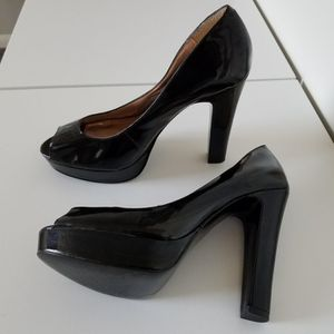 Women's Black Peep Toe Platform Pumps Size 9 for Sale in Wilmington, DE