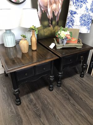 2 side tables for Sale in Clovis, CA