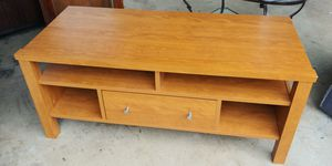 Tv stand or coffee table .. West kendall only $20 for Sale in Miami, FL