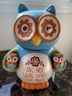 Owl jar with salt and pepper shakers for Sale in Palos Heights, IL