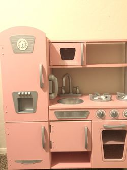 KidKraft Pink Play Kitchen for Sale in Fort McDowell,  AZ