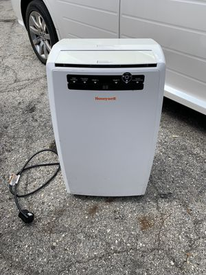 PORTABLE AC UNIT for Sale in Jacksonville, FL