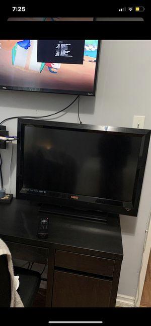 30inch Vizio tv for Sale in La Mirada, CA