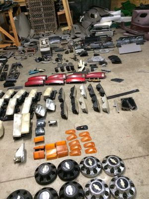 88-01 Chevy Gmc parts for Sale in Columbus, OH