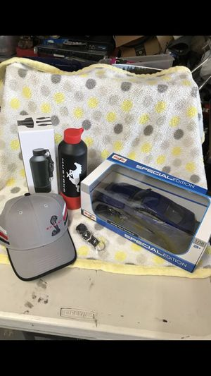 Ford Mustang Maisto 2015 Car Shelby Hat Mustang Water Bottle New for Sale in Phoenix, AZ