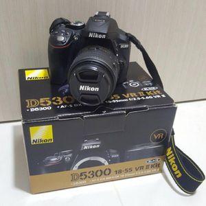 Nikon D5300 24.2 MP Digital SLR Camera for Sale in Staten Island, NY