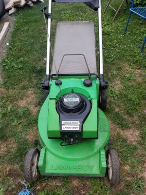 Lawn boy gas mower. Used works perfect for Sale in Columbus, OH