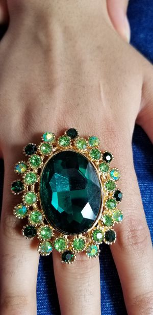 Xl Oval green and meroon stone Ring adjustable Ring for Sale in Chicago, IL