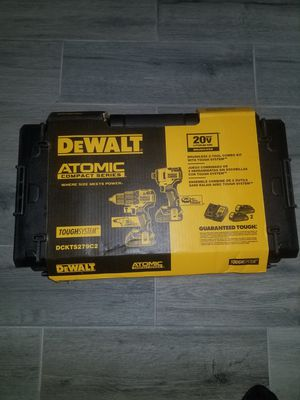 Dewalt 20v ATOMIC combo w/hammer drill and hard case!!! for Sale in North Las Vegas, NV