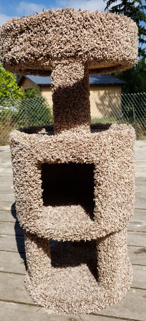 Kitty tower for Sale in Federal Way, WA