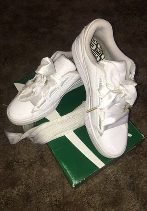 Size 8 Basket Heart Pumas for Sale in Cleveland, OH