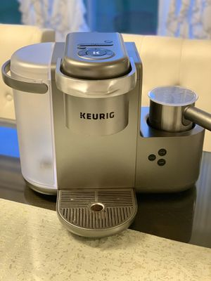 Coffee lover? Keurig coffee machine with Frother ! for Sale in Woodinville, WA