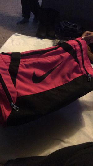 Hot pink Nike duffle Bag for Sale in Fresno, CA