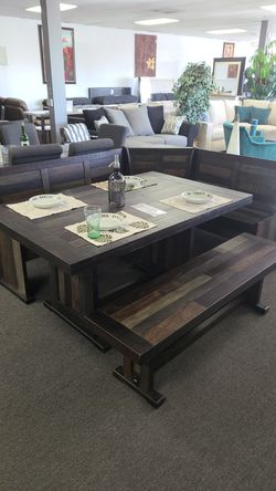 Solid wood nook table set for Sale in Hawaiian Gardens,  CA
