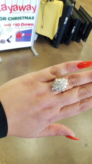 14k cluster ring for Sale in Amarillo, TX