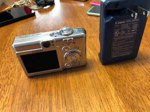 Cannon camera w charger for Sale in Fresno, CA